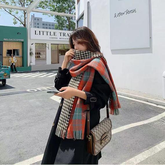 秋冬新款加绒加厚保暖双面细格围巾仿羊绒女款印花双面真丝羊绒围巾
